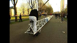Students Ride 28 Meter Bike - Video
