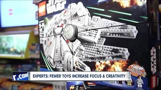 Researchers say: less toys could actually help your kids in the long run - Video