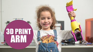Adorable girl finally gets new 3D printed ARM - Video