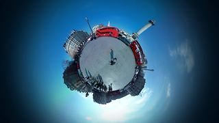 London transformed into 360 degree tiny planet - Video