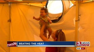 Festivals prepare for hot weekend - Video