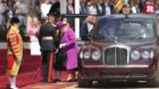 Spanish royals get welcoming reception by Queen Elizabeth and Prince Philip | Rare People - Video