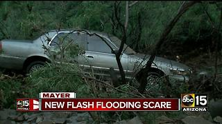 Flash floods roll into Mayer, evacuations issued - Video