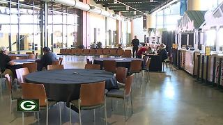 Lambeau Field's food service provider holding job fairs - Video