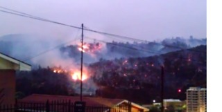 Wildfire Burns Along Mountains in Quilpue, Chile - Video