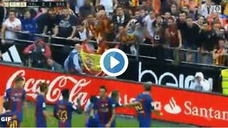 Barcelona players celebrating to Valencia's fans side