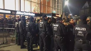 Cologne Police Defend Racial Profiling During New Year's Security Operation - Video