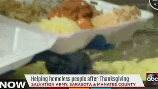 More than a thousand gather for meal in Sarasota - Video