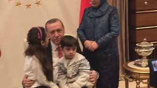 Bana Alabed Meets With Turkish President Erdogan - Video