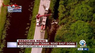 Crash shuts Martin County road