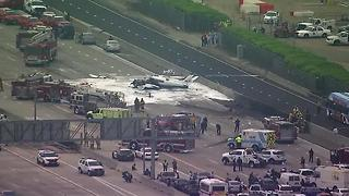 Small Plane Crashes on the 405 Freeway in Orange County near John Wayne Airport - Video