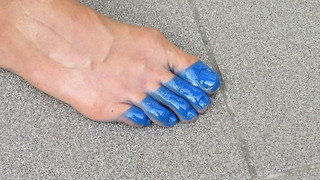 How to paint your nails super fast - Video
