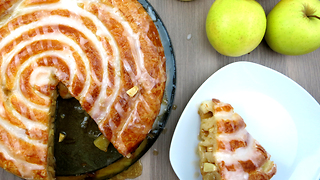 Deliciously sweet apple pie swirl recipe - Video