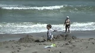 Childhood Beach Fails - Video