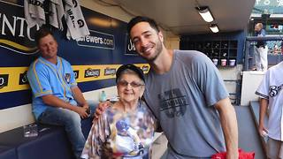 91-year-old Milwaukee woman meets favorite Brewers player for birthday - Video
