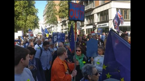 Thousands March for Referendum on Final Brexit Deal