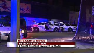 Two Detroit police cruisers involved in a crash - Video