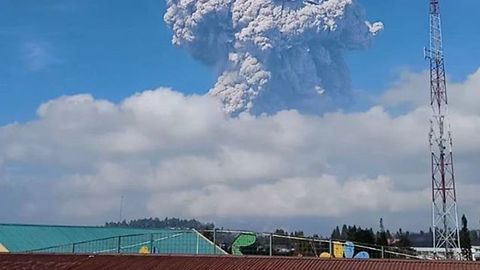 Ash Cloud Rises Over Indonesia's Sinabung Volcano