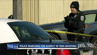 Milwaukee Police searching for suspect in teen shooting - Video