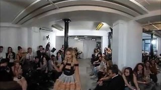The Paris Fashion Show From 360 POV Is Very Impressive - Video