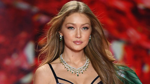 Gigi Hadid Afraid Of Open Toilet Seats