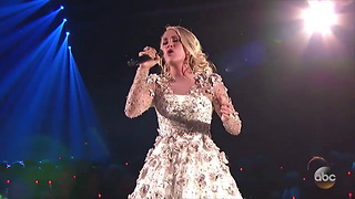WATCH: Carrie Underwood Breaks Down During Moving Performance for Las Vegas Shooting Victims - Video