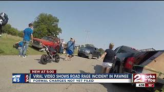 Viral video shows road rage incident - Video