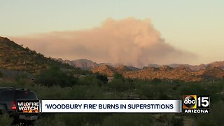 Woodbury Fire burning in Superstition Mountains