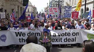 Thousands march through London to oppose Brexit - Video