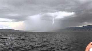 Huge Waterspout Filmed Over California's Lake Berryessa - Video