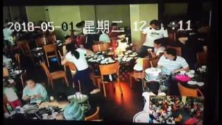 Diners flee restaurant after fireball engulfs dining table - Video