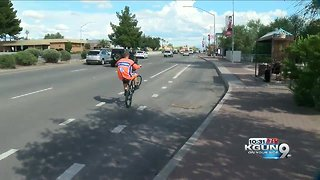 World record holder wheelies through Tucson - Video