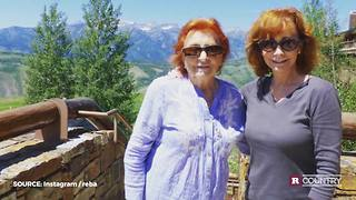 Reba McEntire honors her mom | Rare Country - Video