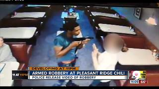 Man robs Pleasant Ridge Chili, holds waitress at gunpoint - Video
