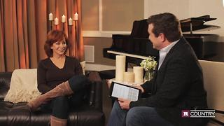 Reba McEntire on Kelly Clarkson, new collaboration | Rare Country - Video