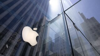Apple Becomes 1st U.S. Company Valued At $2 Trillion