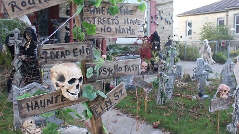 AMAZING HALLOWEEN DISPLAYS FROM ACROSS THE POND