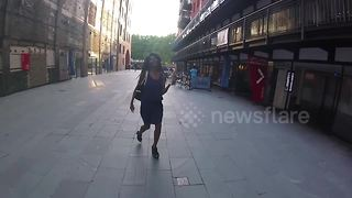 Sinitta arrives at Oxo Tower - Video