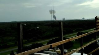 SpaceX Rocket Explodes on Platform in Florida - Video