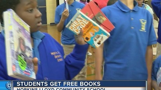 MPS students get thousands of free books under new program - Video