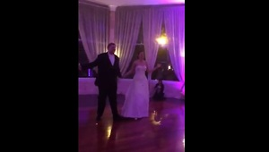 Bride and groom perform choreographed first dance - Video