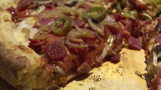 Taking on a 9 pound pizza at Slice of Vegas - Video