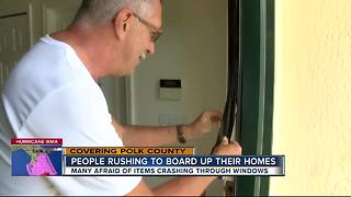 Polk residents rushing to board up their homes - Video