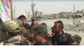 Iraqi Flag Raised at Banks of the Tigris as Victory Declared Over Islamic State in Mosul - Video