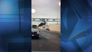 Man in custody after trying to flee during a traffic stop - Video