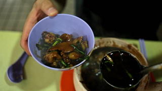 Food Ranger: Frog Soup in Singapore - Video
