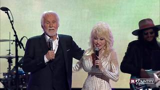 Dolly Parton and Kenny Rogers' last duet | Rare Country - Video