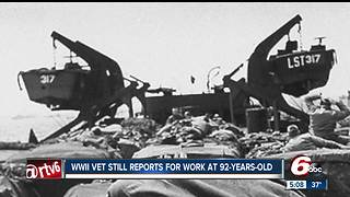92-year-old World War II veteran is still working - Video
