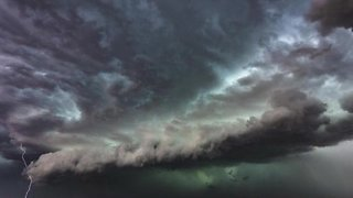 Freak summer storm hammers Melbourne, Australia - Video