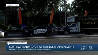 Police: Suspect barricaded at East Broadway apartment